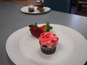 came out burry, but its the cupcakes and strawberries