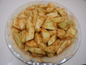Fill empty pan with apple mixture.