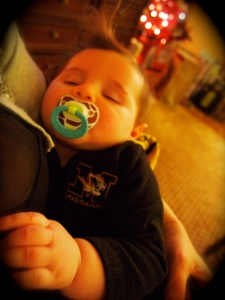 And. A holiday isn't complete unless someone falls asleep..this time in my arms.  :)  Buon Natale!