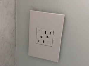 Now, am I the only girl who goes gaga for outlets? Cause these are awesome.