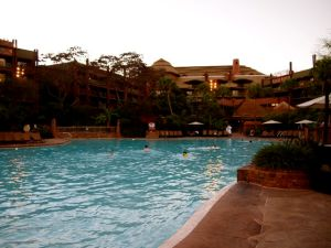 The pool at dusk.. so pretty!