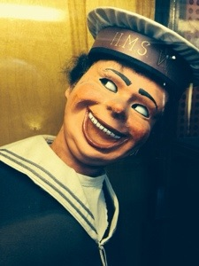 the creepiest sailor doll mechanique ever!