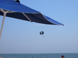 The parasail was super in a skull