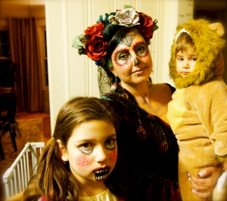 La Muerta with Lion and Doll