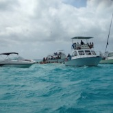 This was the view over at Stingray City... tooooo many people!