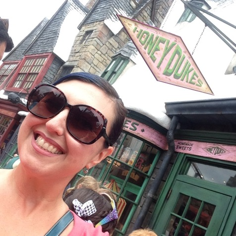 Back to Hogsmeade! H needed a change of clothes badly.
