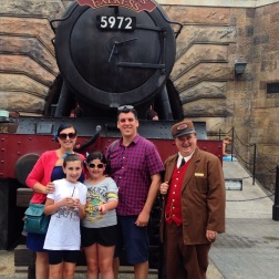 Then it was time to go to Diagon Alley.. first a picture.