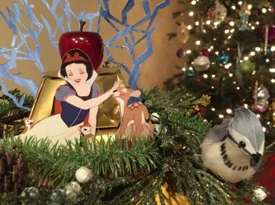 Snow White Theme presents