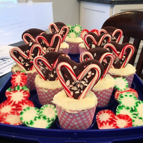 Make more kid cupcakes with chocolate hearts