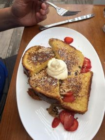 Duke's La Jolla ONOLICIOUS FRENCH TOAST!! SUPER YUMM