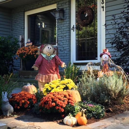 Fall Yard Decor :)
