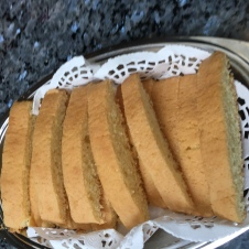 my mom's friend made cookies..