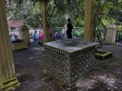 Hemingway House- Cuba - Front pergola and statue