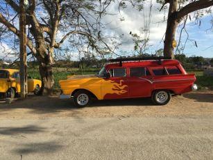 What a kick ass wagon! Classic Cuba Car