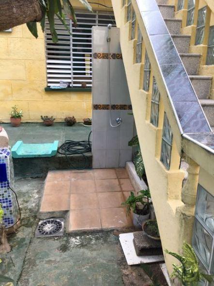 Casa de la Familia Cubana- shower