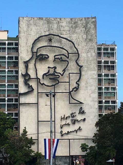 "Ministries of the Interior and Communications, Cuban Revolution: Che Guevara, with the quotation ""Hasta la Victoria Siempre"" (Until the Everlasting Victory, Always)"