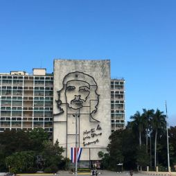 """Ministries of the Interior and Communications, Cuban Revolution: Che Guevara, with the quotation """"Hasta la Victoria Siempre"""" (Until the Everlasting Victory, Always)"""